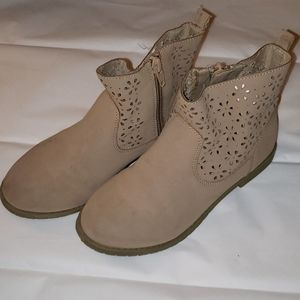 Gymboree Boots for girls size 13 beige
